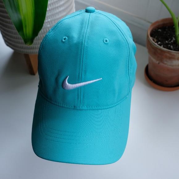 Nike Accessories - NikeGolf Adjustable Hat